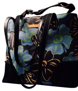 Kenneth Cole Reaction Tote in Multi Colored Blue