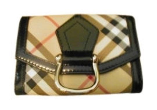 Preload https://img-static.tradesy.com/item/8841/burberry-black-trim-light-brown-brown-dk-red-plaid-clutch-style-with-front-and-openings-wallet-0-0-540-540.jpg