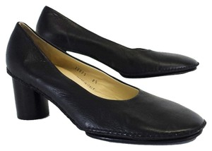 Bottega Veneta Black Leather Heels Pumps