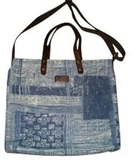 Preload https://item2.tradesy.com/images/lucky-brand-blue-tote-886-0-0.jpg?width=440&height=440