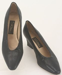 Sesto Meucci Textured Mid Heel B120 Black Pumps