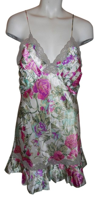 Item - Ivory Pink & Green Print Size M Satin Night Gown
