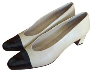 P. Verdi beige / black Pumps
