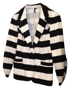 Ambition Black and white Blazer