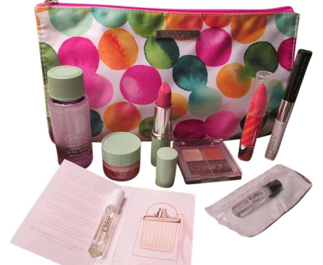 Item - White Multicolor Bubbles Nwot Gift Set Includes: 1 Large Makeup Skincare Feature Cosmetic Bag