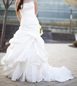Maggie Sottero Rowena Wedding Dress
