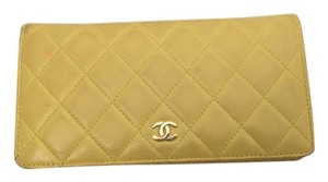 Chanel CHANEL Lambskin L-Gusset Yellow Zip wallet
