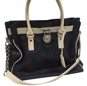 Michael Kors Tote in navy blue with cream trim