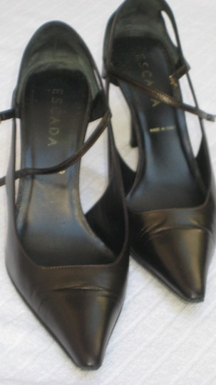 Escada Brown Pumps
