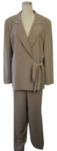 Le Suit Le Suit Taupe/White Striped 2 Piece Jacket/Pant Set