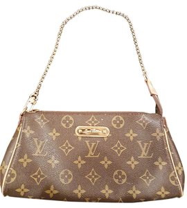 Louis Vuitton Favorite Cross Body Bags - Up to 70% off at Tradesy 9762ffbdd92cb