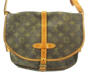Louis Vuitton Saumur 30 Cross Body Bag
