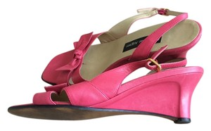Etienne Aigner FUSHIA HOT PINK Wedges