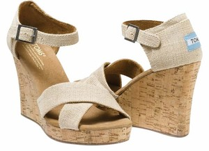 TOMS One For One Burlap Tan Cork Sandal Buckle Buckle Closure Sierra (Tan) Wedges