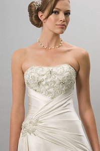 Alfred Sung 6802 Wedding Dress