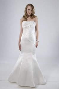 Alfred Sung 6852 Wedding Dress