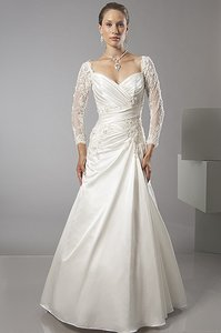 Alfred Sung 6871 Wedding Dress