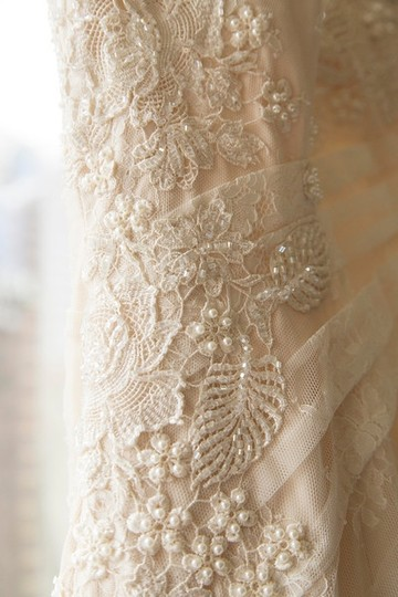 Allure Bridals Light Ivory/Gold Lace with Beading 8967 + Handbeaded Crystal Feminine Dress Size 8 (M)