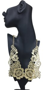 Other Metal Lace Necklace Set