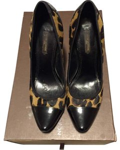 Louis Vuitton Black/brown/gold Pumps