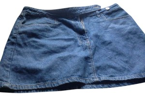 Express Brand Denim Great Fit Short& Cute Verstile Skirt Medium denim