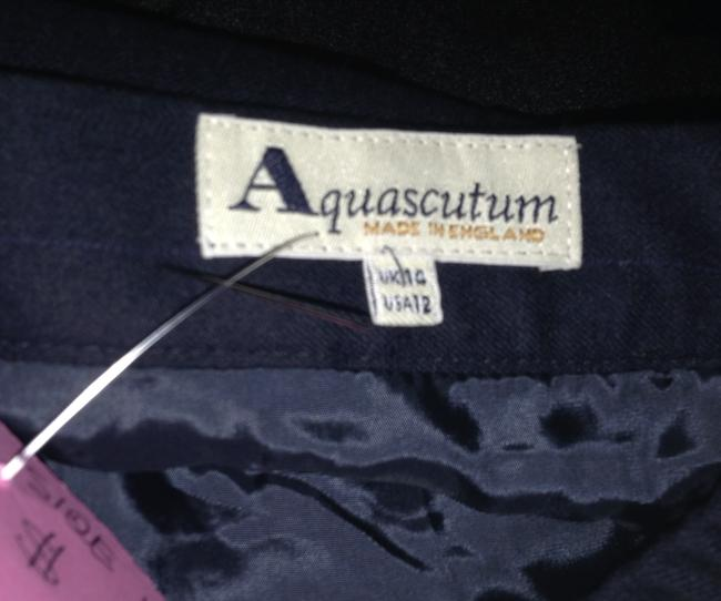 Aquascutum Classic Elegant Pencil 12 Skirt navy blue