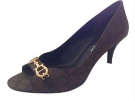 Preload https://img-static.tradesy.com/item/8916/etienne-aigner-brown-horsebit-logo-fabric-peep-toe-pumps-size-us-8-regular-m-b-0-8-540-540.jpg