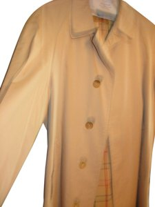 Burberry Vintage Buberrys Trench Coat