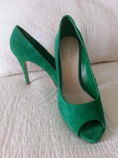 Nine West Kelly Peep Toe Green Pumps