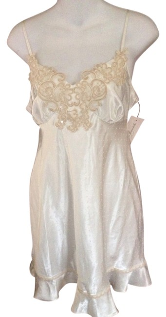 Item - Ivory Chemise Embroidered Beaded Babydoll Size S