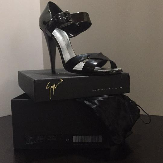 Giuseppe Zanotti. Retails $850.00 Dark Gray metallic Formal