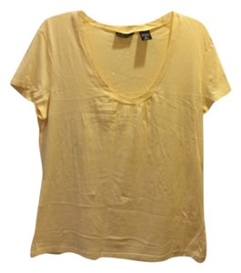 New York & Company T Shirt Yellow