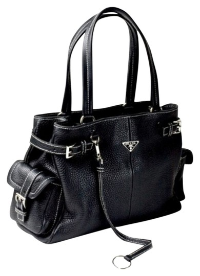 Preload https://img-static.tradesy.com/item/8926609/prada-black-leather-tote-0-1-540-540.jpg
