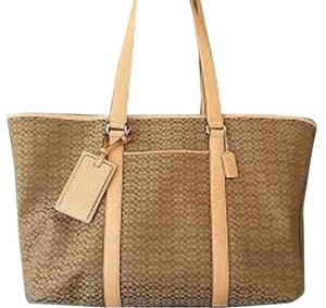 Coach Signature Canvas Tote in Tan