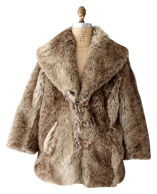 Preload https://img-static.tradesy.com/item/8931967/bar-iii-brown-faux-fur-coat-size-8-m-0-3-650-650.jpg