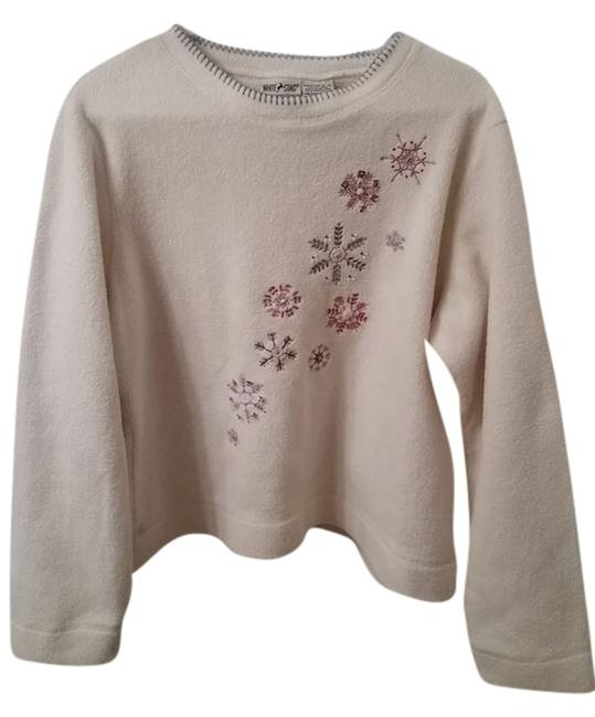 Preload https://img-static.tradesy.com/item/8938054/white-stag-long-sleeve-snowflake-embellished-fleece-sweater-0-1-650-650.jpg