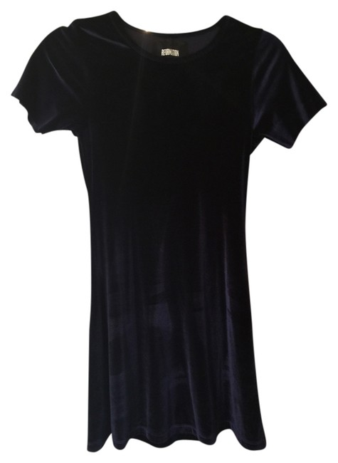 Preload https://img-static.tradesy.com/item/8950594/reformation-navy-blue-velvet-mini-cocktail-dress-size-0-xs-0-1-650-650.jpg