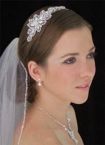 LC Bridal Veils White Medium Beaded Edge Bridal Veil