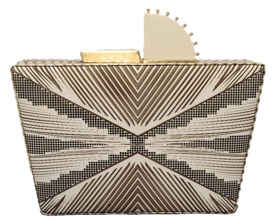 Preload https://img-static.tradesy.com/item/8951965/tanya-hawkes-cream-gold-leather-clutch-0-1-540-540.jpg