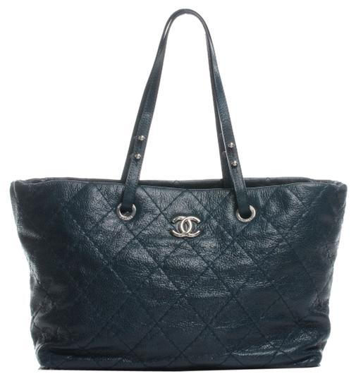 Preload https://img-static.tradesy.com/item/8953048/chanel-grand-shopping-gst-jumbo-cc-classic-neverfull-on-the-road-teal-blue-caviar-leather-tote-0-1-540-540.jpg