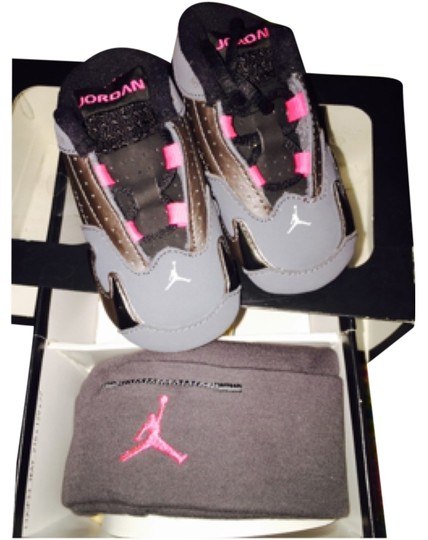 Nike jordan Pink and grey Athletic