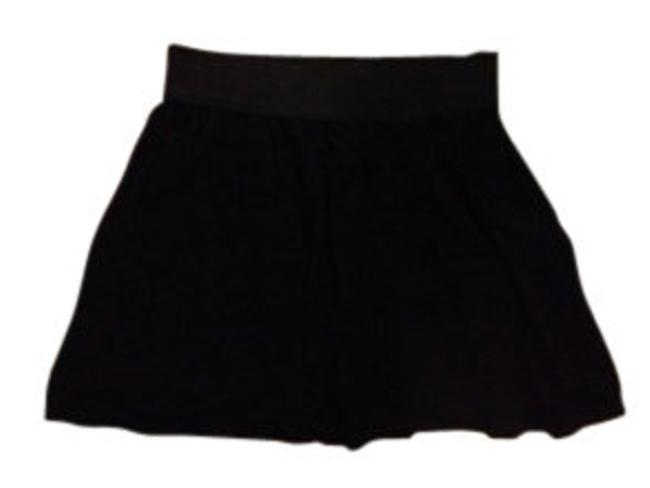 Preload https://item2.tradesy.com/images/forever-21-black-flowy-with-elastic-waistband-miniskirt-size-8-m-29-30-8961-0-0.jpg?width=400&height=650