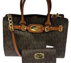 Michael Kors Hamilton Crossbody Tote in Brown Signature