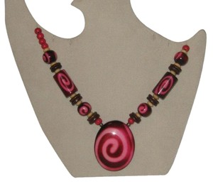 Other PINK AND BURGANDY BEADED NECKLACE