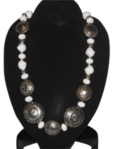 Other WHITE AND SILVER STONE NECKLACE
