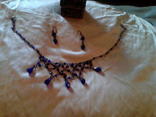 Other Queen Guinvere medival romantic necklace and hook earrings