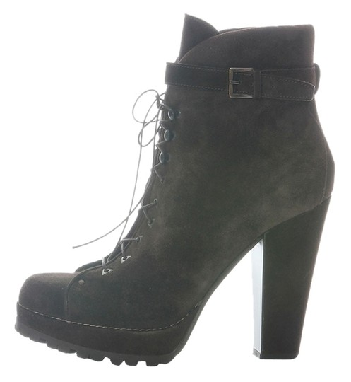 Preload https://img-static.tradesy.com/item/8976994/alaia-brown-suede-ankle-bootsbooties-size-us-9-regular-m-b-0-2-540-540.jpg