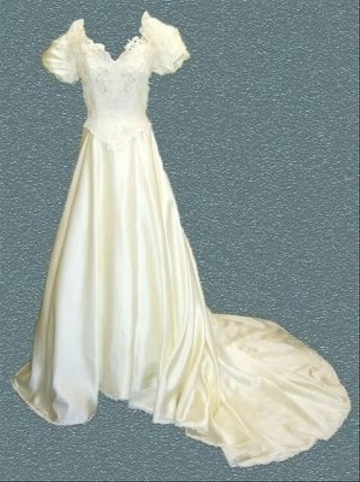 Alfred angelo michelle piccione vintage look bridal gown for D angelo wedding dresses