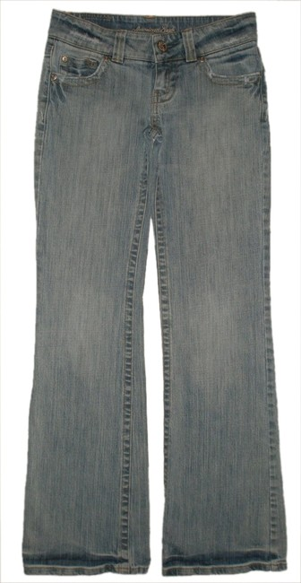 Preload https://img-static.tradesy.com/item/8979178/american-eagle-outfitters-blue-light-wash-flap-pocket-0-reg-boyfriend-cut-jeans-size-24-0-xs-0-1-650-650.jpg