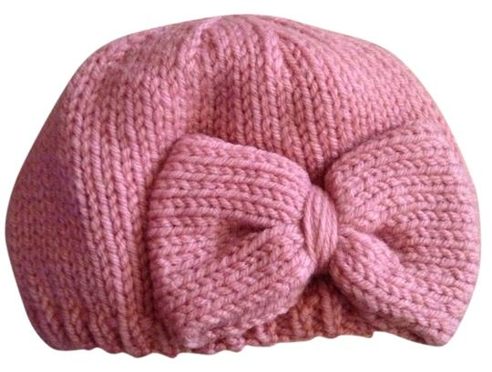 Preload https://item5.tradesy.com/images/hand-knit-basic-bow-beanie-898229-0-0.jpg?width=440&height=440